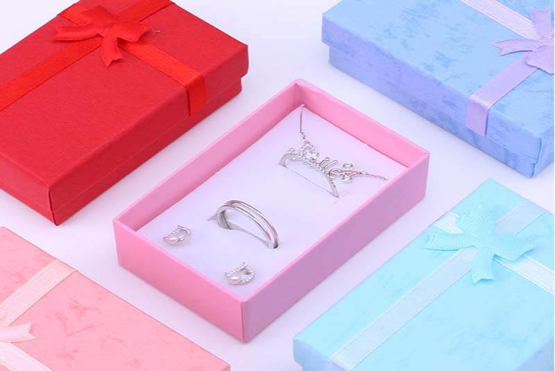 small paper cardboard gift box jewelry