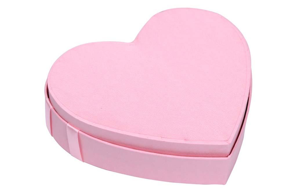 heart shaped cardboard box