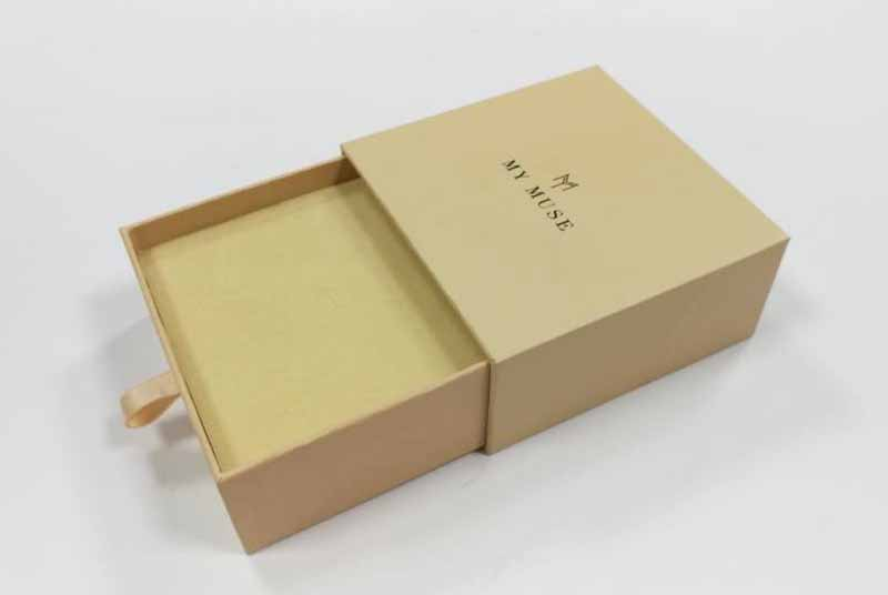 small cardboard jewelry box packaging for bracelet